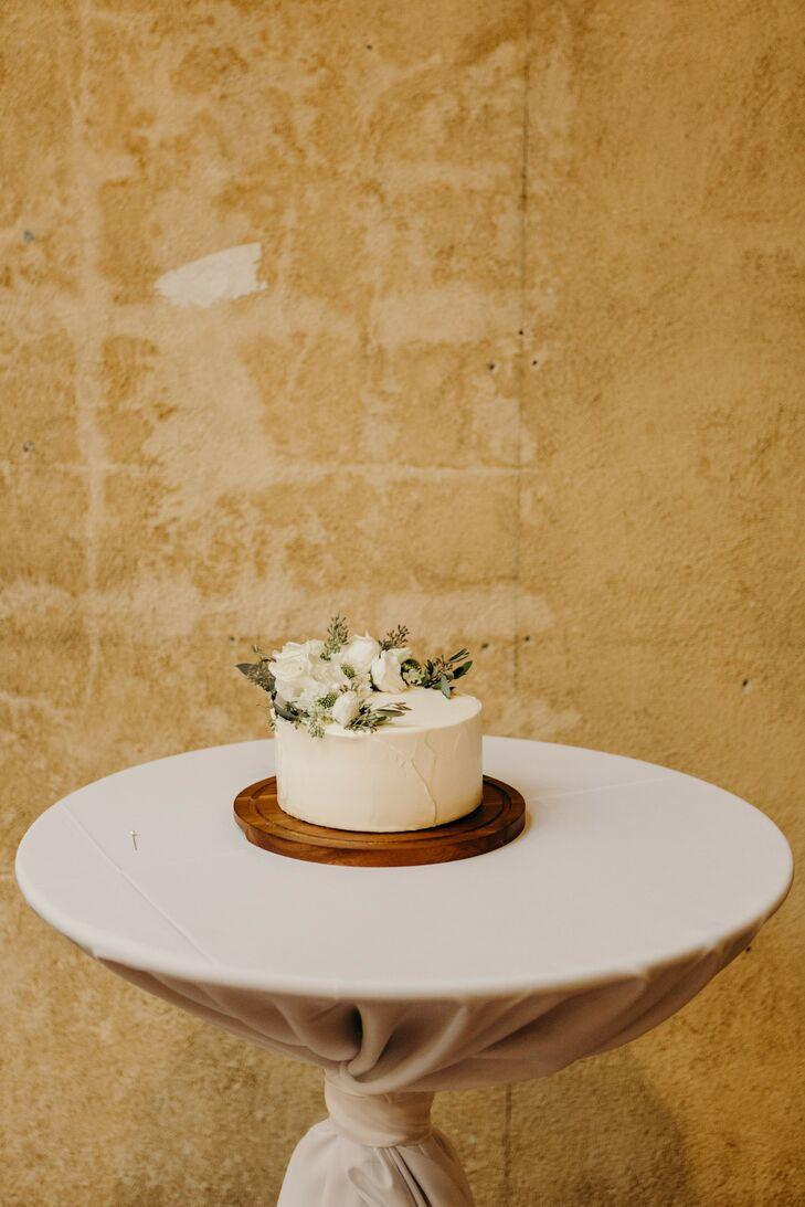 Cake at Urban Warehouse Wedding in Detroit, Michigan