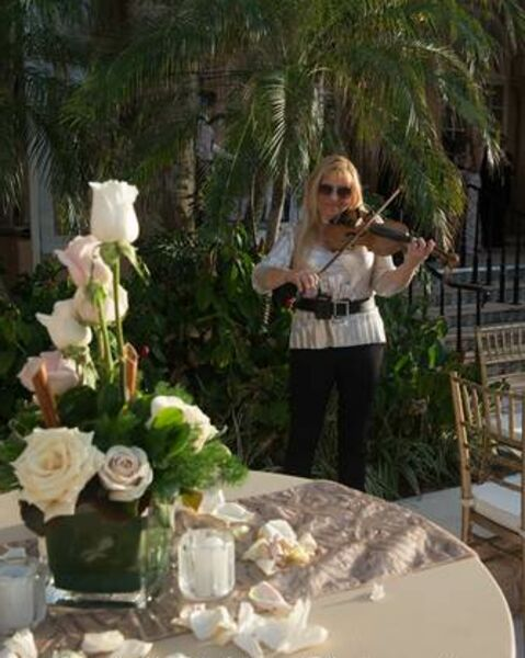 MUSIK FOR YOU CLASSICAL  AND ELECTRIC  - Classical Violinist - Miami Beach, FL