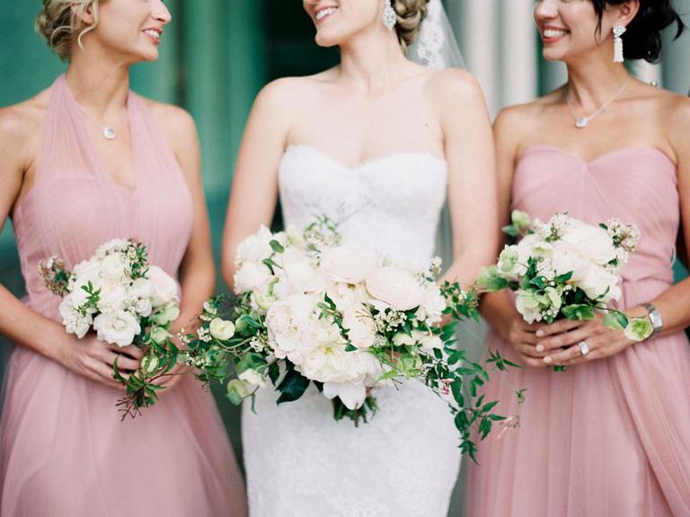 Bride with bridal party