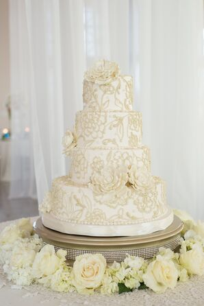 Wedding Cake With Sugar Flowers and Floral Details