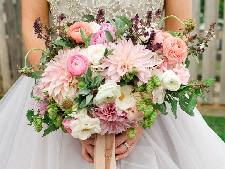 Wilt-proof dahlia bouquet