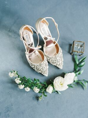 Bridal Details at Historic Shady Lane in Manchester, Pennsylvania