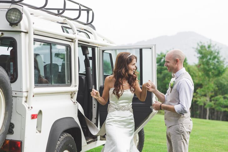 """By chance, The Swag Inn happened to be hosting a barbecue, open to visitors and guests of the Inn, on Michelle and Adam's wedding day. """"We arranged for our families to attend the barbecue prior to our ceremony, allowing the opportunity for most of them to meet for the first time!"""" says Michelle."""