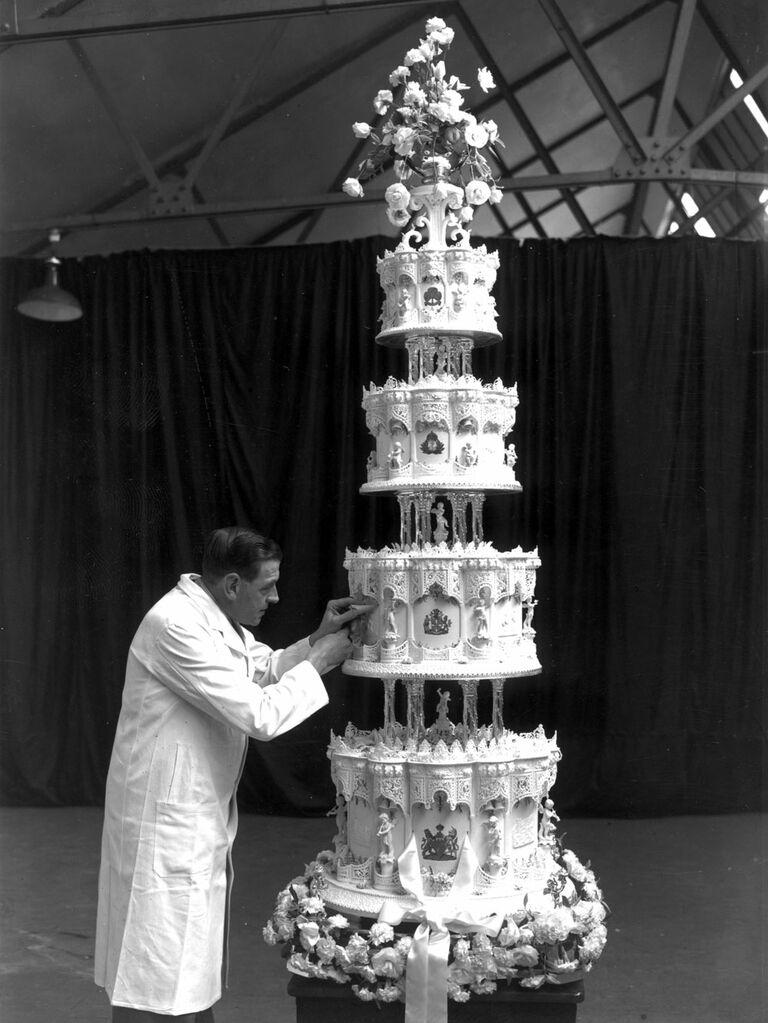 Photo of Queen Elizabeth's four-tier wedding cake