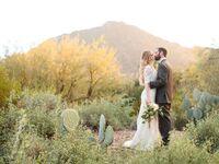 Arizona desert wedding with glam vintage dress