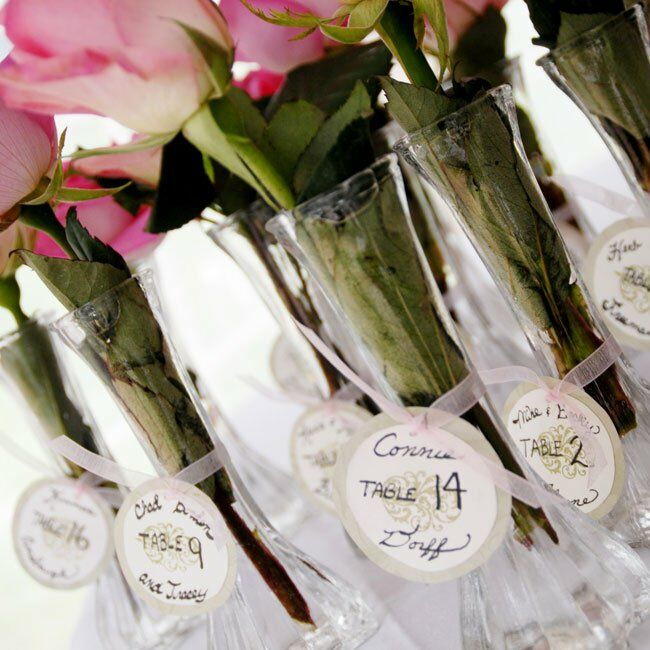 circular with rose bud place cards