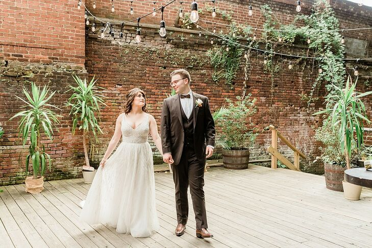 Jillian Bray and Gene Levin wed at the Art Factory in Paterson, New Jersey, since they immediately fell in love with the offbeat,industrial-chic spac