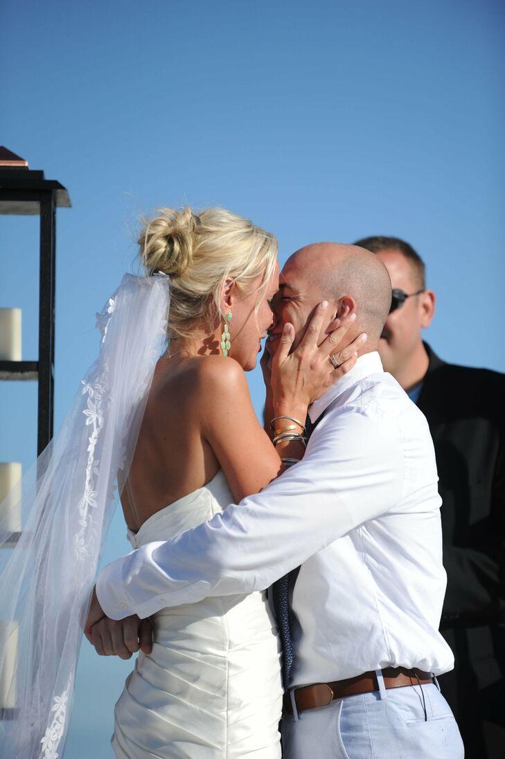 Casual, Loose Bun Bridal Updo