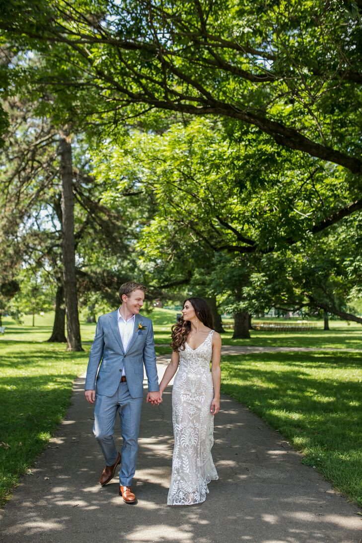 Romantic Couple at Schiller Park in Columbus, Ohio