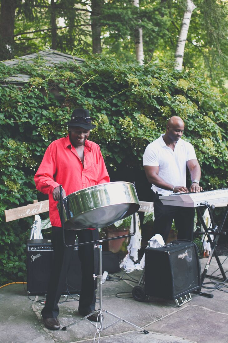 Africarib Steel Drum Band, played during the ceremony procession and recession as well as the cocktail hour.