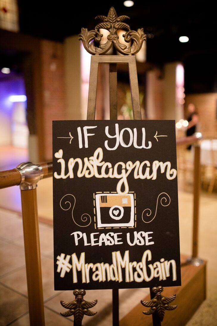 DIY Chalkboard Social Media Sharing Hashtag