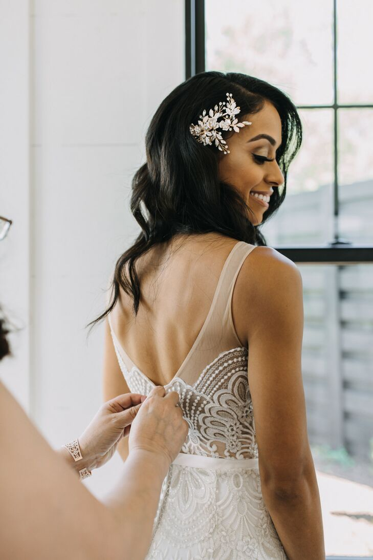 Classic Bride with Elegant Down Hairstyle