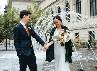 """Since fall is their favorite season, Felicia and Nicolas decided to elope in New York City and said """"I do"""" with the fall foliage of Central Park actin"""