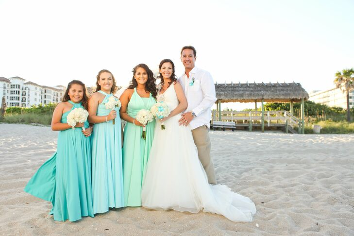 376a23d2bc0 Curt s three daughters were chosen as Rachel s bridal party. Each girl wore  a seafoam green