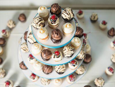 GR Cookies & Cupcake by Design