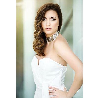 Alexis Nicholas Makeup Artist