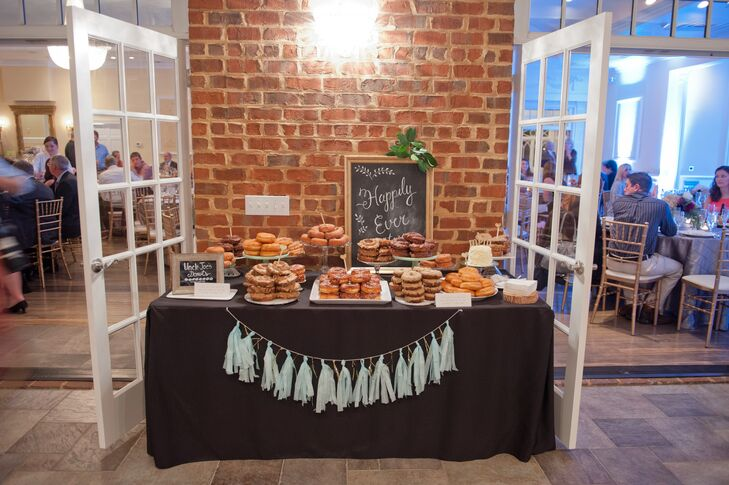 For dessert, guests enjoyed a variety of donuts provided by Uncle Joe's donuts, including chocolate, glazed, maple and caramel apple donuts. Marlee and Michael also served their guests coffee as a nod to Michael's career as a police officer.