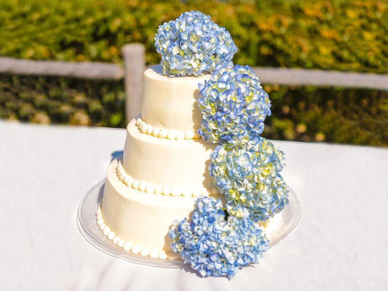 Hydrangea Cakes For Summer Wedding