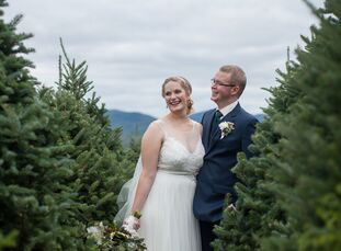 Dana Theiler (29, a Medical writer) and Paul Van Buskirk (34, a Teacher) both love the outdoors and hiking, so it was only natural for them to hold th