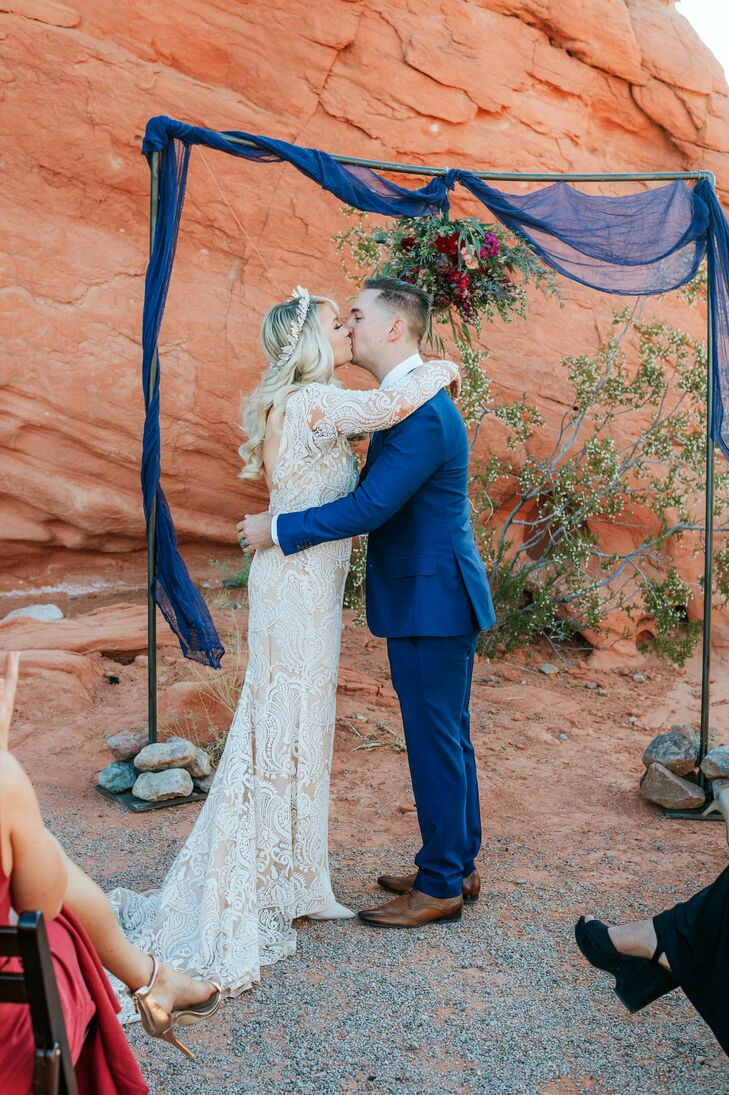 Simple Wedding Ceremony in the Desert
