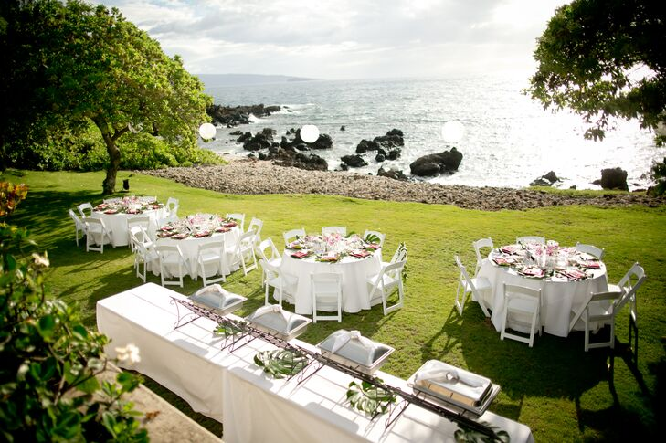 White Tablecloth Hawaiian Wedding Reception