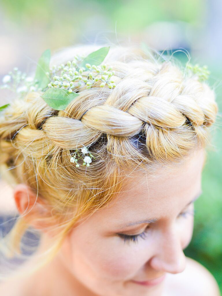 Hairstyles Perfect for a Beach Wedding