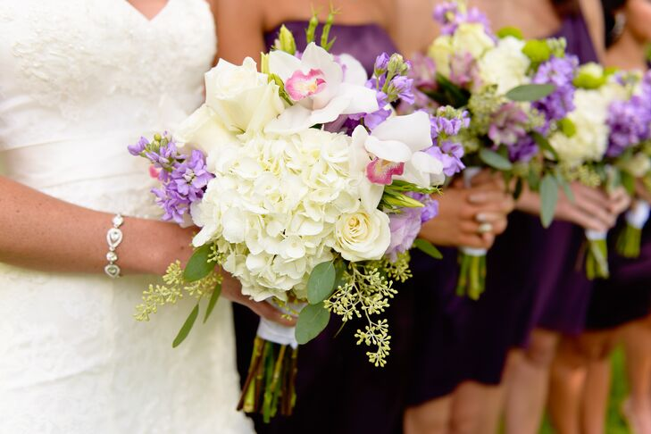 The floral arrangements for the day consisted of white and green hydrangeas, ivory roses, green spider chrysanthemums, dendrobium orchids and calla lilies.
