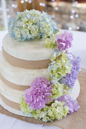 Burlap Wrapped Wedding Cake With Hydrangeas