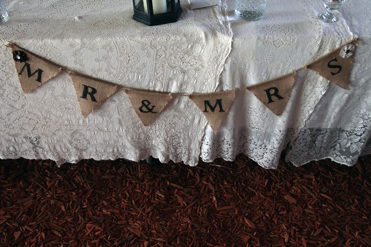 Rustic Mr and Mrs Flag Banner Table Decor