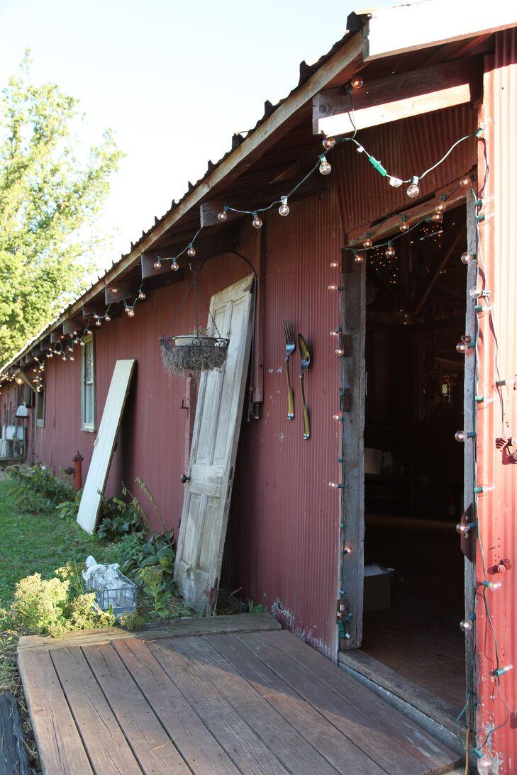 String Lit Gallagher Barn