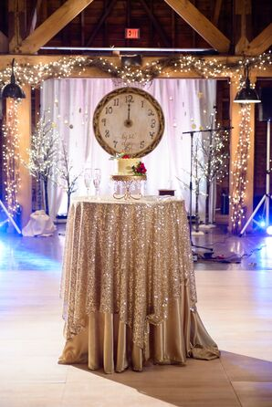 Dramatic Glitter Linen Cake Table