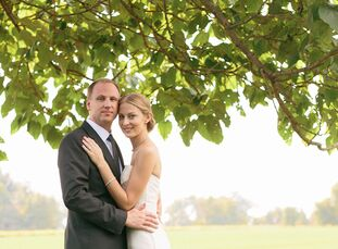 The grounds of a historic home in New Castle, Delaware, set the scene for Laura and Kyle's nature-inspired celebration. <br><br>