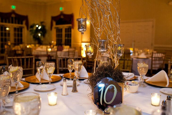 Enjoyable Mirror Table Numbers And Gold Branch Centerpieces Home Interior And Landscaping Ferensignezvosmurscom
