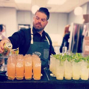 Seattle, WA Bartender | Emerald City Cocktails