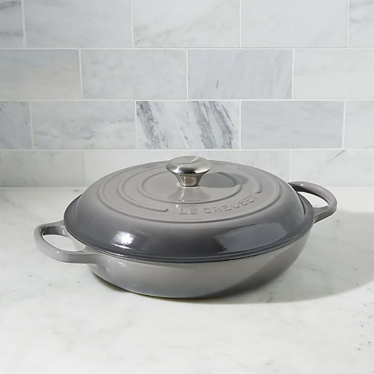 Le Creuset Signature everyday pan