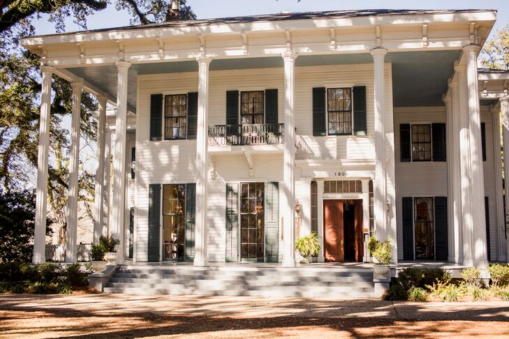 """""""Growing up in Mobile, I would always see beautiful weddings being held on the mansion's large porch and it has always been the only place that I could see myself getting married,"""" says Heather."""