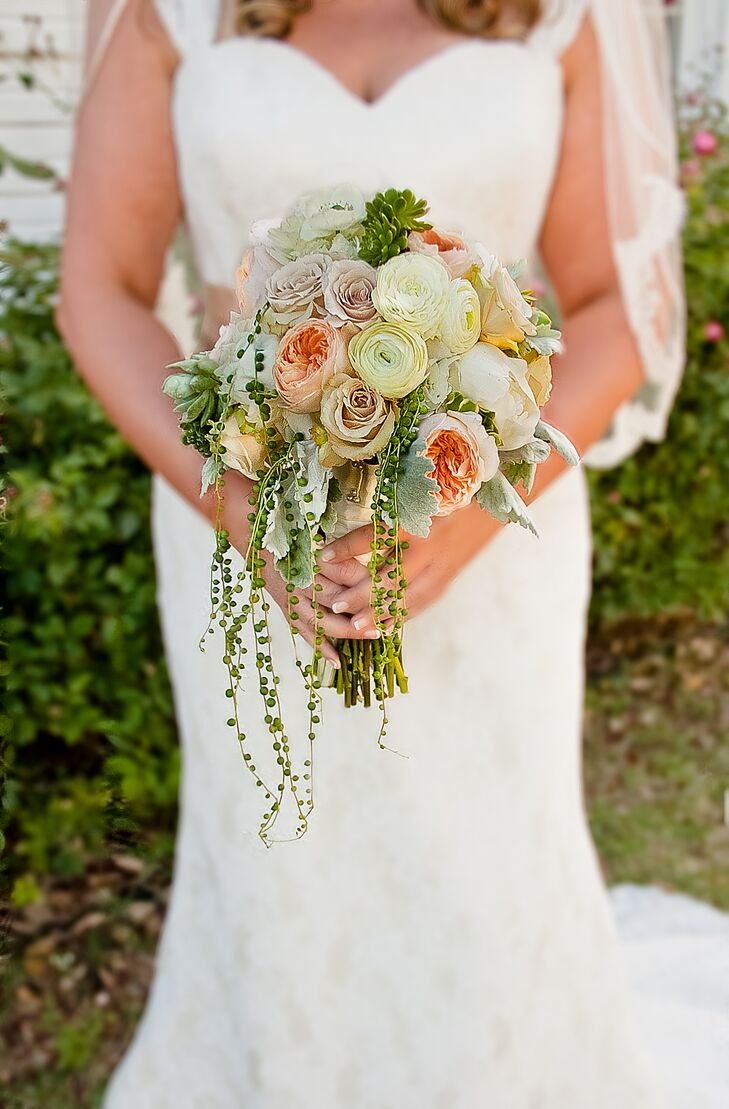 Kate carried a bouquet of peach garden roses, champagne roses and white ranunculus mixed with greens such as dusty miller, string of pearls and other succulents.