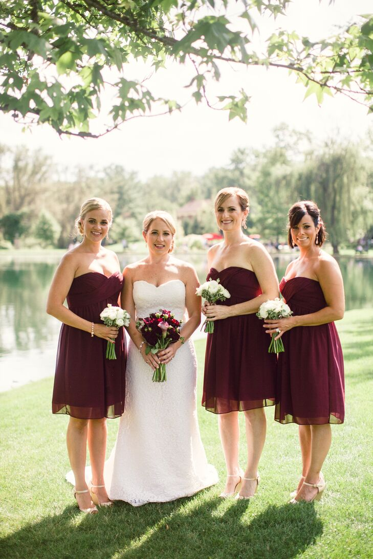 9e8e5a039f3 Wine Bridesmaid Dresses with Matching Bouquets