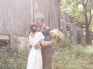 Katelin Gan (25 and a makeup artist) and Justin Hollenkamp (29 and a photographer) met through mutual friends. Six years later, Justin proposed while