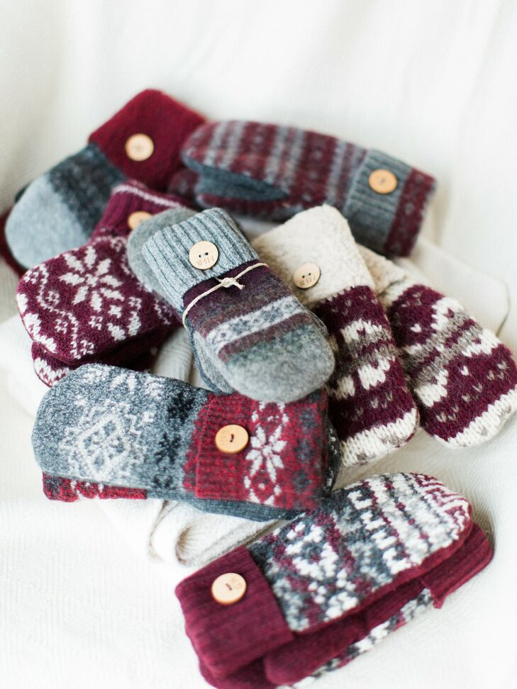 Mitten Favors for Winter Wedding