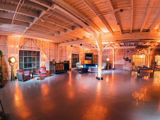 LA River Studios - Vintage Lounge - Warehouse - Los Angeles, CA