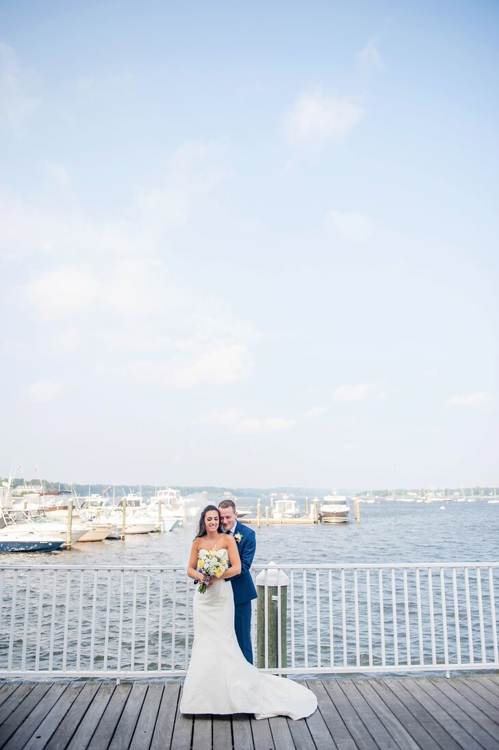 Enamored of the marina and waterfront space at the Molly Pitcher Inn in Red Bank, New Jersey, Pam Lipnicky (28 and a regional consultant) and Sean Hal