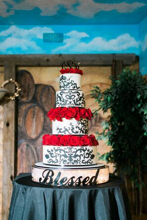 Black-and-White-Detailed Wedding Cake With Roses