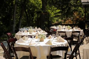 Sunny Outdoor Reception with Neutral Linens
