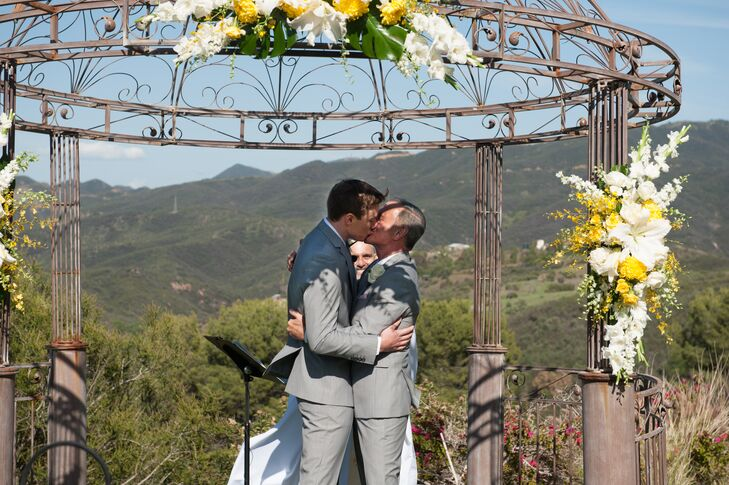 An Outdoor Wedding at Stone Eagle Retreat in Malibu, California