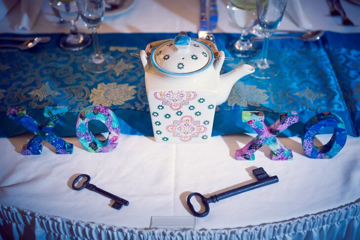 Jill used teapots and oversized antique keys as table decor.