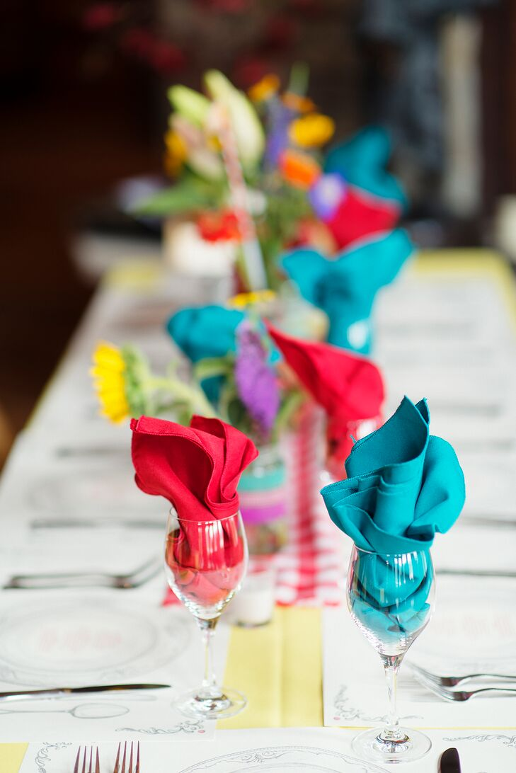 Colorful Linen Napkin Place Settings