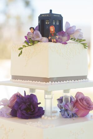 'Dr. Who' Wedding-Cake Topper