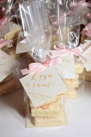 Cookie Wedding Favors with Custom Calligraphy Tag