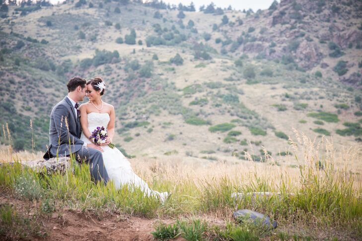 For their wedding, Tanya Carpio and Cody Lounsberry chose Willow Ridge Manor in Morrison, Colorado, exchanging vows at their outdoor ceremony undernea